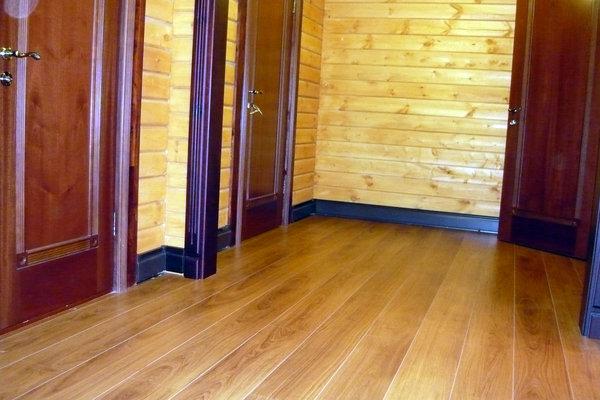 Дом отапливаемый теплым плинтусом в п.