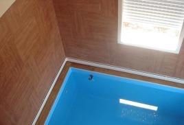 Отопление теплым плинтусом жилого дома и бассейна
